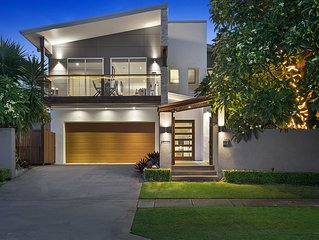 Huge, luxury, resort style home close to airport and city