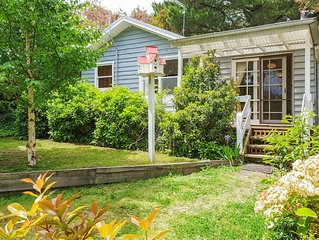 BIDWELL COTTAGE, a charming hideaway close to Lake Daylesford