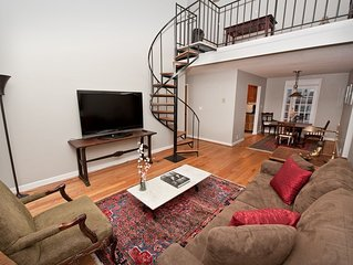 Large WWII Era Two-bedroom + Loft Unit In Shirlington Near Pentagon