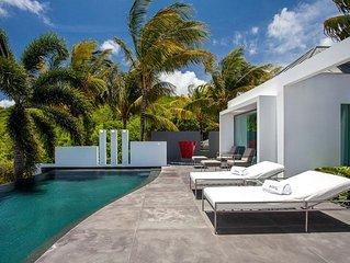 Modern 5 Bedroom Villa, Heated Swimming Pool, Concierge Service, Fitness Room, F
