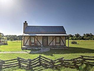 'Valley View' 1BR Fredericksburg Cottage w/ Pool!