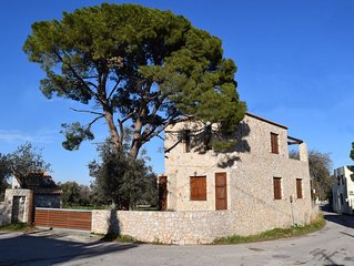 PYRGOS  COUNTRY HOME (CAR INCLUDED)