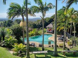 Byron Bay Manor - Luxury Holiday Accommodation