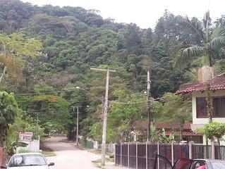 Apartamento em condomínio fechado - Praia do Lázaro/Saco da Ribeira.