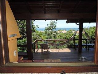 Paraíso na praia do Silveira. Casa para 8/10 pessoas com linda vista p/ o mar.
