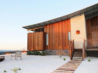 Temple Farmhouse- Ultra Private Accommodation