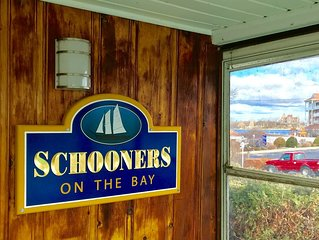 Schooner's on the Bay, A perfect Cottage,   Walk to anything in Alexandria Bay