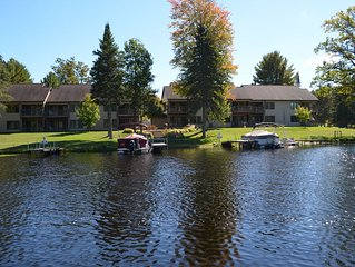 Snowman's Lodge: Two Bedroom/1 Bath - Truly Waterfront With Boat Slip In Crivitz
