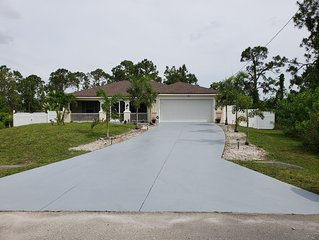 936 Franklin st E * 3BR * 2BA * Sleeps 6 * 1408 Sq. Ft.  LeHigh Acres , Florida