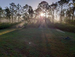 936 Franklin st E * 3BR * 2BA * Sleeps 6 * 1408 Sq. Ft.  LeHigh Acres , Florida