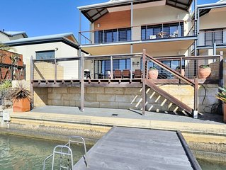 The Jetty Town House on the canals - Includes Netflix and Stan
