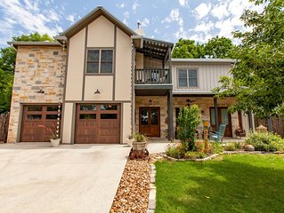 NEW! Walkable, Breakfast! All King Bedrooms With Private Bathrooms!