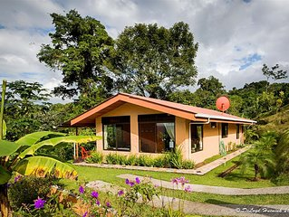 Delightful 5 Star Jungle Villa, Sleeps 6, Spectacular Views & Free Night Hike!
