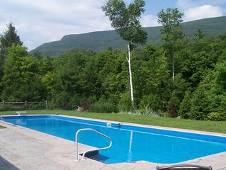 5 bedroom home, mountain views10 Acres, 65' swimming pool,separate pool house