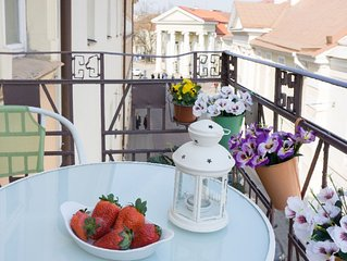 Cozy and beautiful Old Town Apartment 2br/2baths