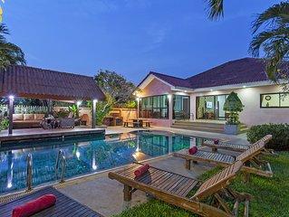 Baan Chatmanee | Modern 5 Bedroom Pool Villa in Jomtien Pattaya
