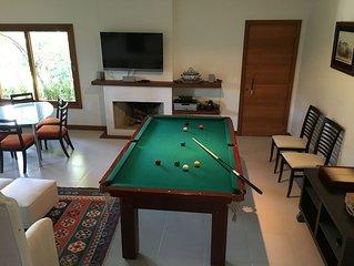 Casa acolhedora em condominio fechado em Araras. Construcao nova com 2 suites.