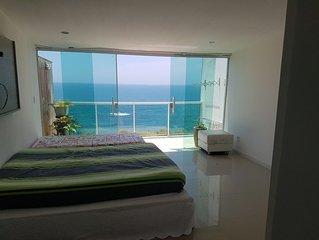 Casa em costazul linda vista pro mar e praia de areias negras