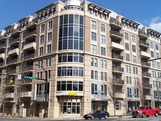 Downtown Condo Quiet 2BD/ 2BA w/ Free WiFi & Parking for Working Professionals.