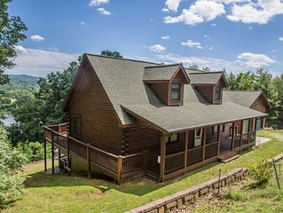 AMAZING Views of Claytor Lake - 4 Bedroom Gorgeous Log Home