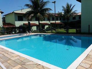 Casa em Condomínio Fechado apenas 250 m da Praia Martim de Sá