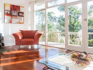 Eltham Retreat - Warm & Bright Home