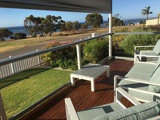 Bussy's Beach House - relaxing quiet getaway