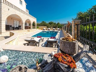 Charming Stone 4 bedroom Villa with Private Pool