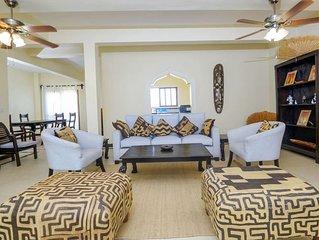 Blue Bay Cove - Beach Side Apartment