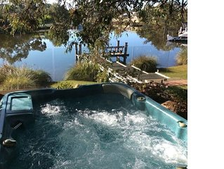 Wisteria Waters - A Tranquil and Serene Getaway - Pet Friendly