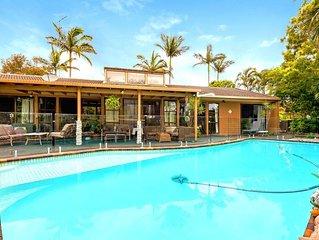 Mermaid Waters, Gold Coast Holiday Home + Pool
