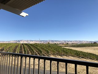 Tum-A-Lum Ridge Guest House. Located In Walla Walla's South Acre Vineyards.