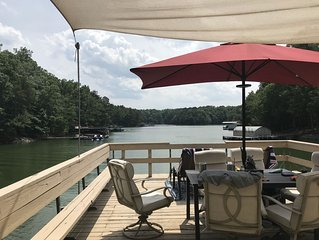 Deep Water Cove Sleeps 14 - Newly Renovated - 2 level Dock with Boat Slip