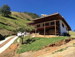 Casa Nova em Sítio com Cachoeira e Vista Deslumbrante em São Francisco Xavier