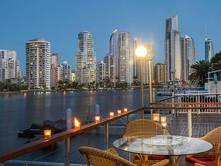 Water Front Surfers Paradise