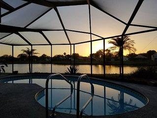 Great location, Lake front, Pool. Bush Gardens/Beach/Disney/ Hard Rock Casino