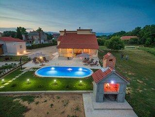 Sehr schönes Ferienhaus mit privatem Pool 34 qm