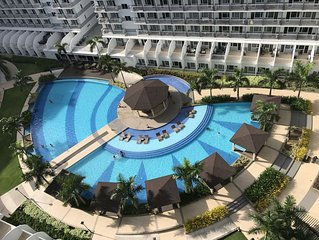 Best Value 5-Star QCondo across Mall of Asia, near Airport, Casinos & Manila Bay