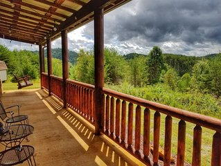 2 Bedroom, 1 Bathroom, Sleeps 4, Hot tub,Gas Fireplace, Mountain View, Minutes t