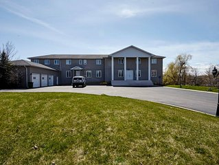 6 Bedrooms/4 Washrooms/Full Kitchen/Huge Living & Dining on 3 Acres in Brampton