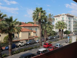 Relax 10 minutes' walk from the beach
