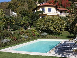Stunning 4 bed villa with private pool, BBQ, lake views, walking distance to res
