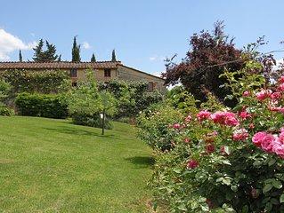 Casa indipendente in agriturismo con piscina sulle colline a 10 km da Lucca