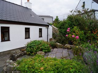 Cosy Welsh Cottage With Stunning Sea And Coastal Views. Rural Location.