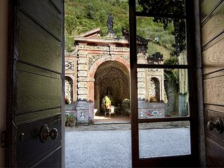 Historic panoramic villa near Lucca for 12 people