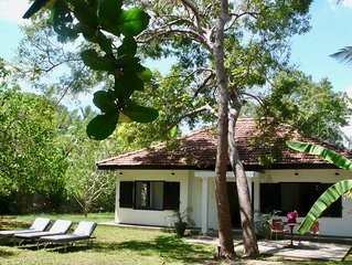 Kumbuk: Two bedroom hideaway steps from Mawella Beach