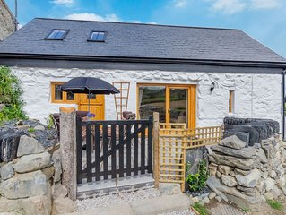 Ysgubor Wen is a newly renovated cottage in the Conwy Valley, a walk away from L