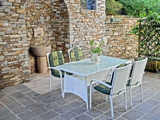 Appartamento con grazioso portico e giardino
