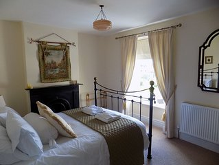 Charming refurbished traditional town house 4 bed 'Aunty Mary's',families,groups