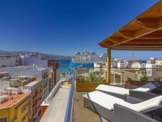 Luxury Penthouse with Stunning Views at the Best Bit of Las Palmas Beach
